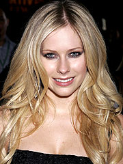 th 04302 avril lavigne 122 1146lo Avril Lavigne bought a huge house with 10 Bathroom