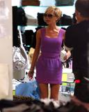 123mike HQ pictures of Victoria Th_05239_Victoria_Beckham_shopping_in_Beverly_Hills_127_123_1146lo
