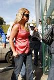 th_02233_brit056sandino_122_1163lo - Britney Spears va mieux, son décolleté aussi