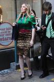 Hilary Duff Pokies Foto 907 (Хилари Дафф  Фото 907)