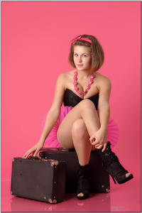 http://img102.imagevenue.com/loc210/th_254971609_tduid300163_sandrinya_model_pinkmini_teenmodeling_tv_053_122_210lo.jpg