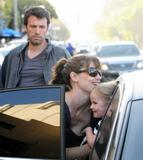 Jennifer Garner and Ben Affleck take their daughter Violet Affleck for a ride, Brentwood, CA 18.6.08