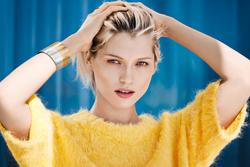Hana Jirickova - H & M Sunny Days Campaign -x10
