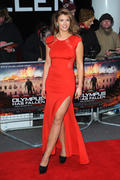 http://img102.imagevenue.com/loc405/th_376344755_AmyWillerton_olympus_has_fallen_uk_prem_037_122_405lo.jpg