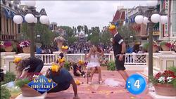 Kelly Ripa (upskirt) - Live! With Kelly and Michael_2015-05-19 (720p clip)