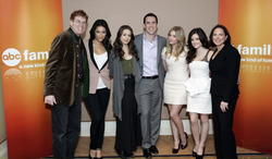 http://img102.imagevenue.com/loc555/th_14049_pretty_little_liars_tca_panel_2_122_555lo.jpg