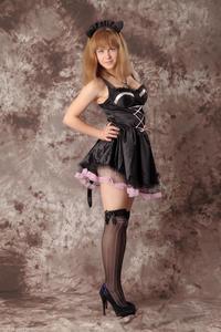 http://img102.imagevenue.com/loc7/th_232329992_Silver_Sandrinya_maid_3_003_122_7lo.jpg