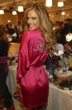th_96707_fashiongallery_VSShow08_Backstage_AlessandraAmbrosio-15_122_794lo.jpg